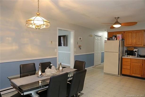 Condominium, Ranch - Danbury, CT (photo 2)
