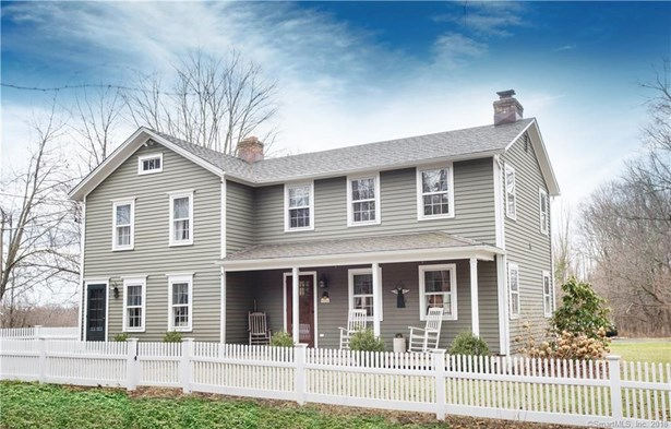 Single Family For Sale, Colonial - Danbury, CT (photo 1)