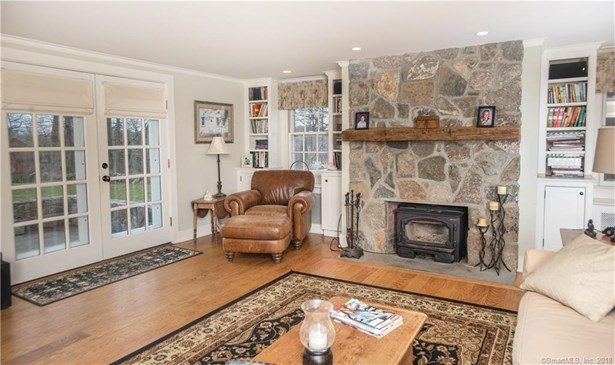 Single Family For Sale, Colonial - Danbury, CT (photo 3)
