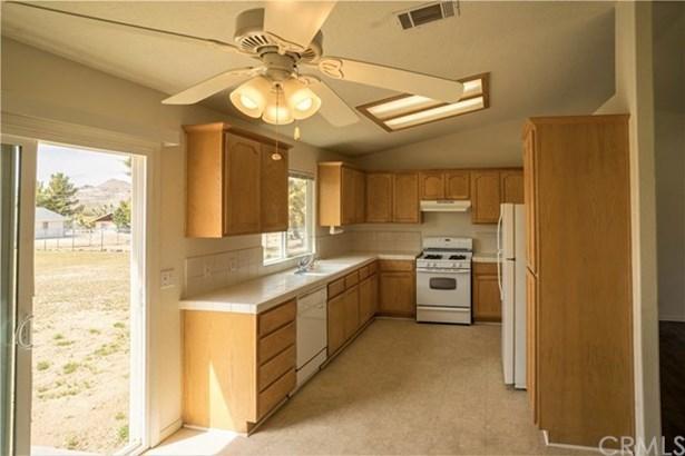 6870 Avalon Avenue, Yucca Valley, CA - USA (photo 4)