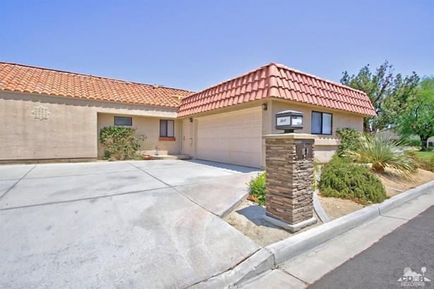 Condo Attached - Palm Desert, CA