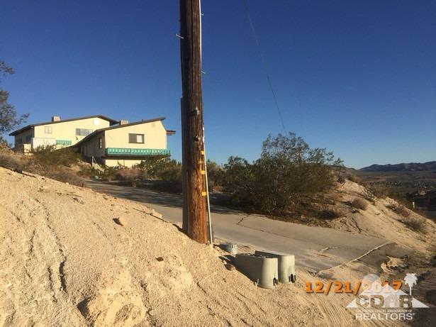 57350 Buena Suerte Road, Yucca Valley, CA - USA (photo 3)
