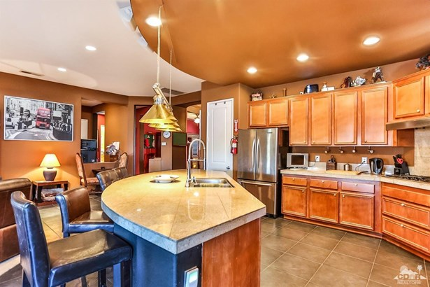 68602 Everwood Court, Cathedral City, CA - USA (photo 3)