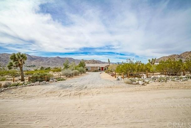 8638 Uphill Road, Joshua Tree, CA - USA (photo 2)