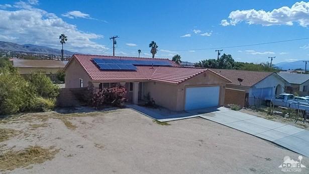 Single Family Attach - Desert Hot Springs, CA (photo 3)