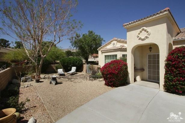 Single Family Detach - Desert Hot Springs, CA (photo 4)