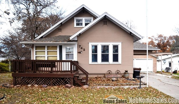 1.50 Story, Detached Residential - Milford, NE (photo 1)