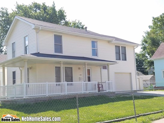 Detached Residential, 2.00 Story - Lincoln, NE (photo 2)
