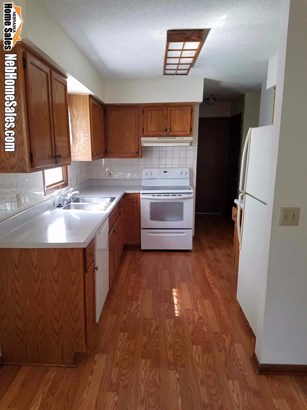 Detached Residential, 2.00 Story - Lincoln, NE (photo 5)