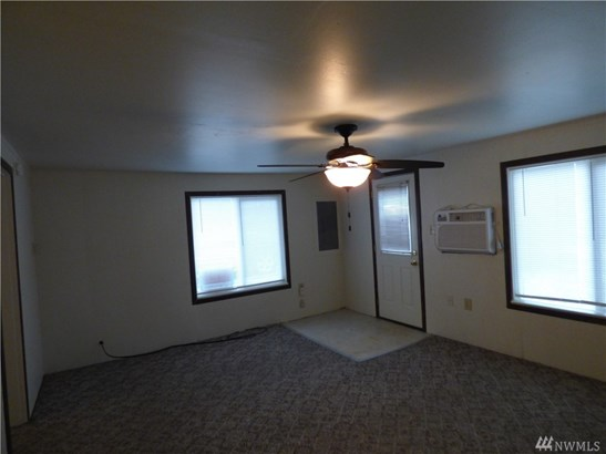 202 Elm St S, Omak, WA - USA (photo 2)