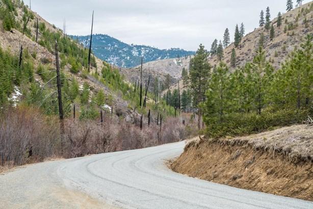 10383 Mud Creek Road, Entiat, WA - USA (photo 2)