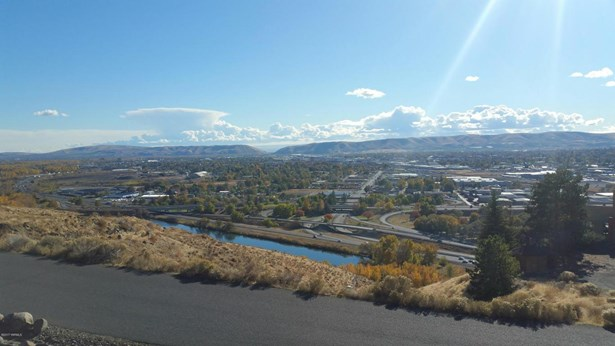 660 Riverview Rd, Yakima, WA - USA (photo 2)
