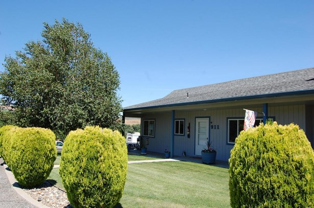 911 Gromore Rd, Yakima, WA - USA (photo 2)