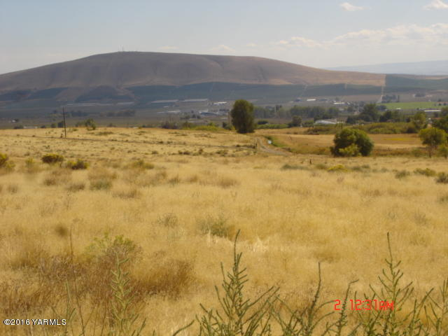 Nna Mierasst. Hilaire Rd, Yakima, WA - USA (photo 2)