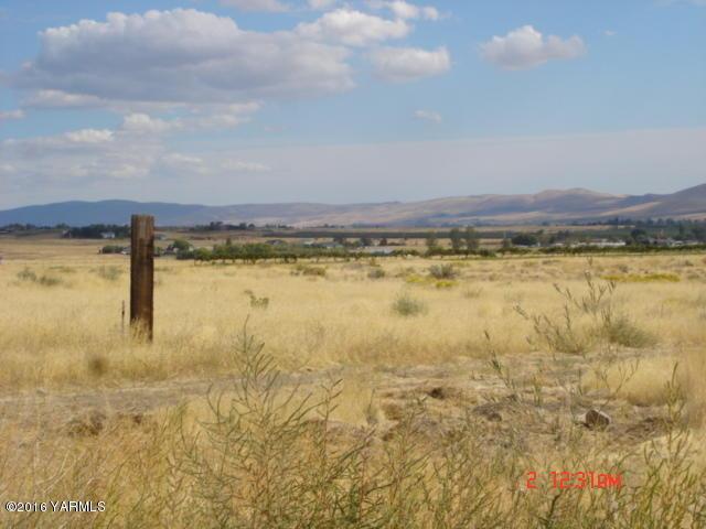 Nna Mierasst. Hilaire Rd, Yakima, WA - USA (photo 3)