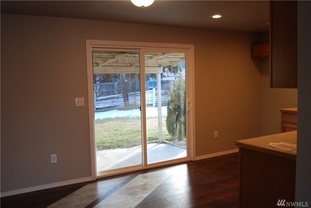 505 W 4th St, Omak, WA - USA (photo 4)