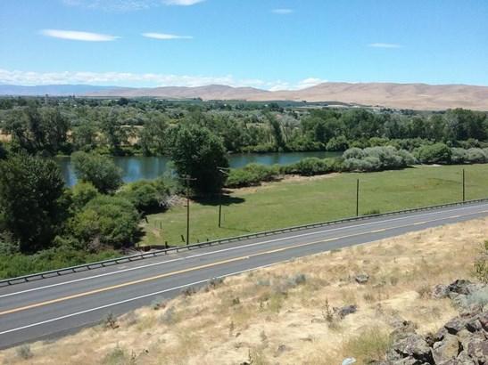 Nka Yakima Valley Hwy, Wapato, WA - USA (photo 1)