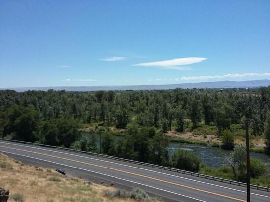 Nka Yakima Valley Hwy, Wapato, WA - USA (photo 3)