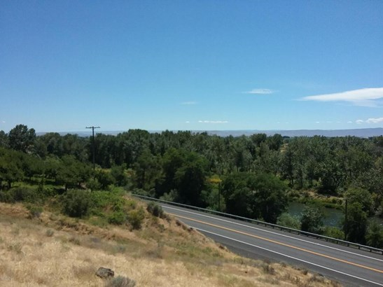 Nka Yakima Valley Hwy, Wapato, WA - USA (photo 4)