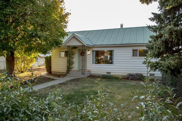 302 S Central Ave, Waterville, WA - USA (photo 1)