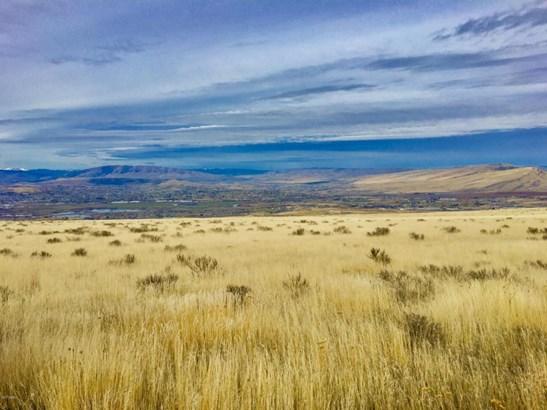 Nna Woodward West Rd, Yakima, WA - USA (photo 1)