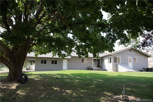 4825 Nw Cascade Ave, East Wenatchee, WA - USA (photo 2)