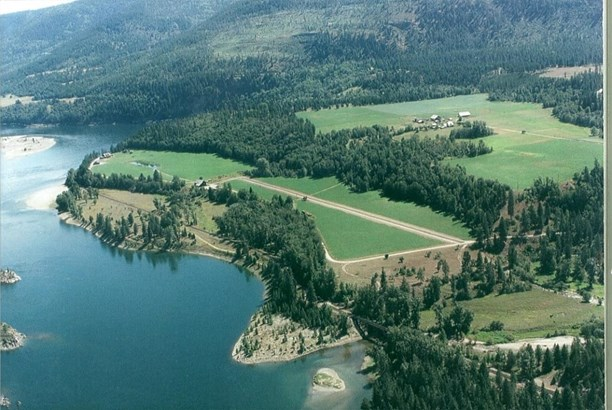 4429 Northport Waneta Rd, Colville, WA - USA (photo 1)
