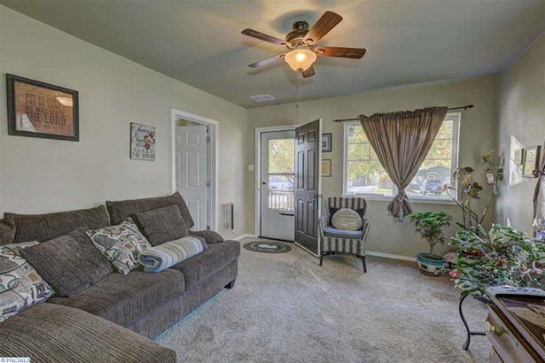 1002 Della Ave, Benton City, WA - USA (photo 4)