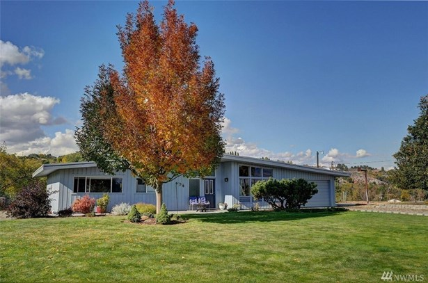 636 Ridge Dr W, Omak, WA - USA (photo 1)