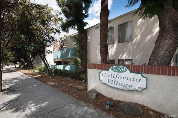 Condominium, Modern - Tarzana, CA