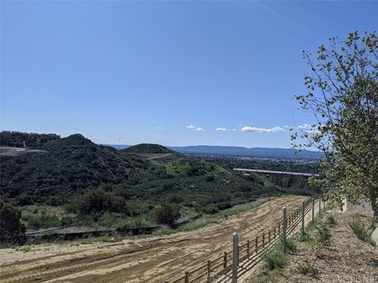 Land/Lot - Chatsworth, CA