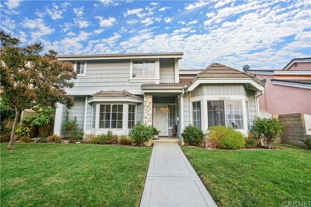 Single Family Residence, Traditional - Granada Hills, CA