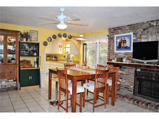 Single Family Residence, Traditional - Saugus, CA (photo 5)