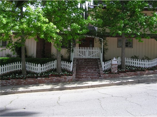 Single Family Residence, Custom Built,Traditional - Woodland Hills, CA (photo 2)