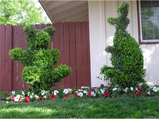 Single Family Residence, Custom Built,Traditional - Woodland Hills, CA (photo 5)