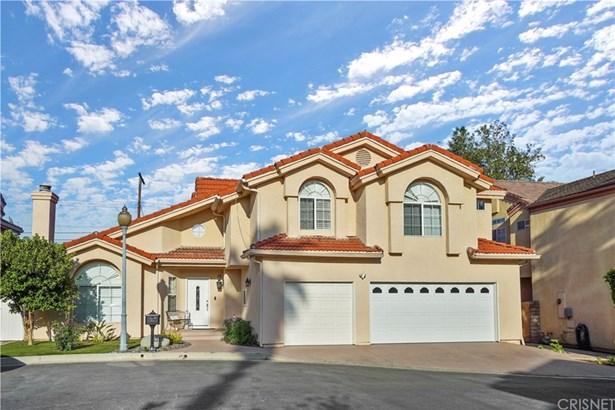 Contemporary,Modern, Single Family Residence - Granada Hills, CA