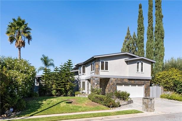 Single Family Residence - Calabasas, CA