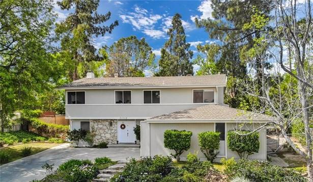 Single Family Residence, Traditional - West Hills, CA