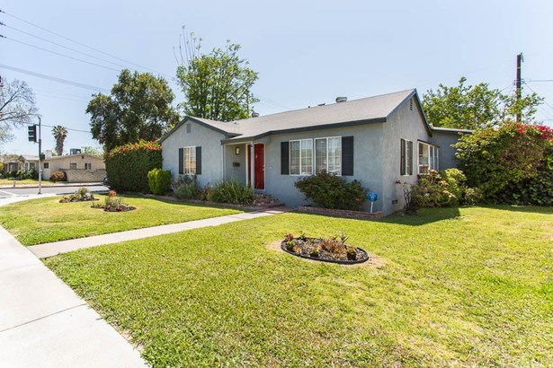 Single Family Residence, Traditional - Reseda, CA (photo 4)