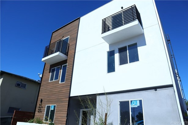 Contemporary, Quadruplex - North Hollywood, CA