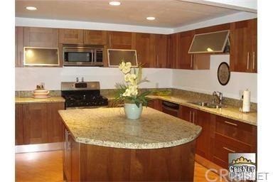 Condominium, Custom Built - Tarzana, CA (photo 4)
