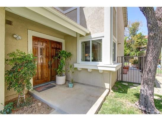 Condominium, Contemporary - Northridge, CA (photo 2)