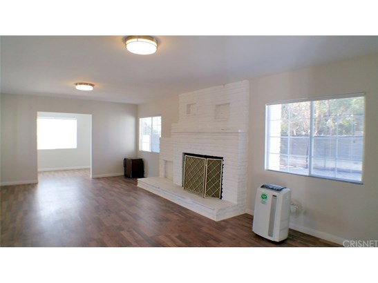 Single Family Residence - Granada Hills, CA (photo 3)