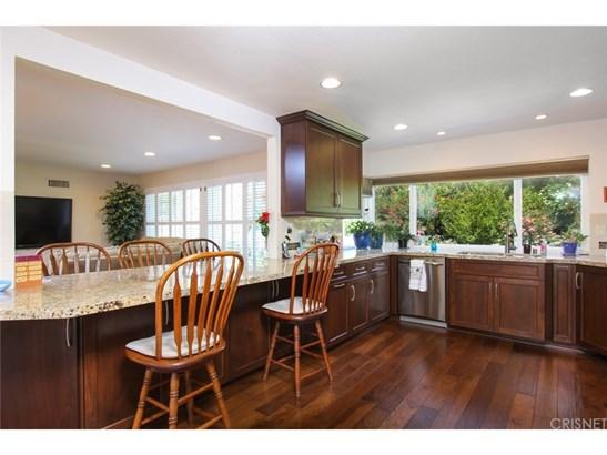Single Family Residence, Traditional - Porter Ranch, CA (photo 5)