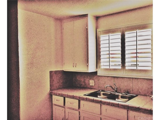 Apartment - Inglewood, CA (photo 4)