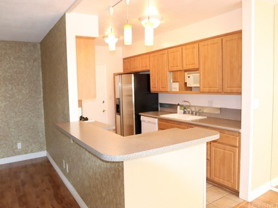 Condominium, Contemporary - Valley Glen, CA (photo 5)
