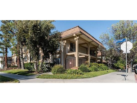 Townhouse - Woodland Hills, CA (photo 1)