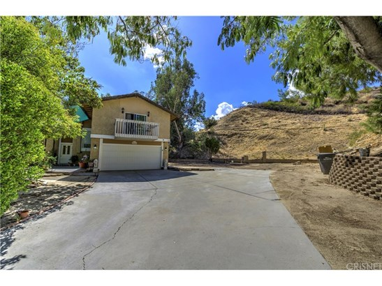 Single Family Residence, Traditional - Saugus, CA (photo 2)