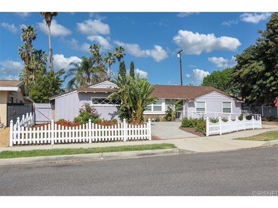 Ranch,Traditional, Single Family Residence - Northridge, CA