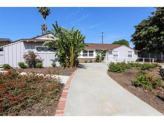 Ranch,Traditional, Single Family Residence - Northridge, CA (photo 2)